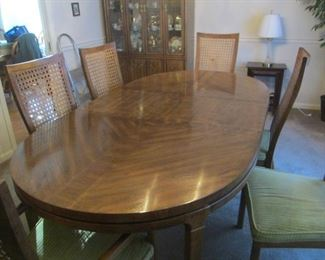 Drexel Table ,2 Leaves, 6 Chairs
