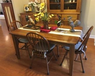 Dining Table, Roosters and Chickens