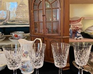 CRYSTAL STEMWARE AND MINI CABINET
