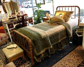 Vintage Wooden Jenny Lind Style Spindle Twin Bed (no mattress) and 2 Sets of Matching Bedding like new!