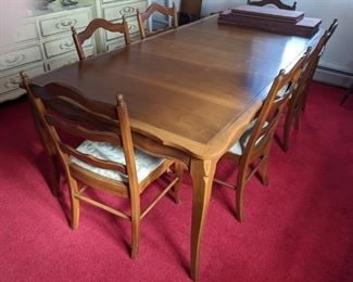 $200 Table and chairs