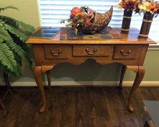 Oak end table or entry table