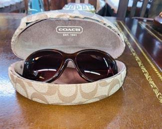 Coach Devyn Sunglasses with Case