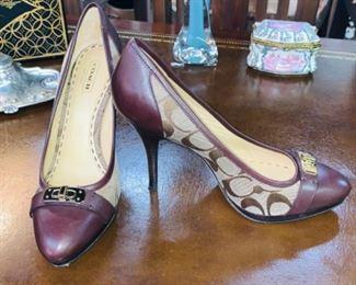Coach Camille Khaki Logo Shoes -Size 7.5