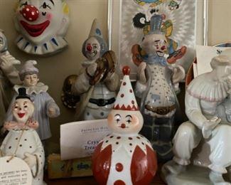 Lots of clowns!