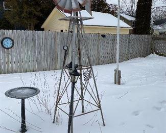Yard windmill