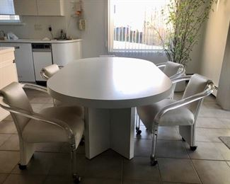 Kitchen table with rolling chairs - only 5