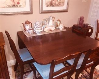 drop leaf breakfast table with four chairs