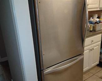 Whirlpool stainless refrigerator freezer