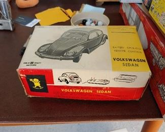 Taiyo Japanese battery operated Volkswagen Sedan with box