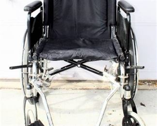 Invacare 9000 XDT Wheelchair with Detachable Swing-Away Foot Rests