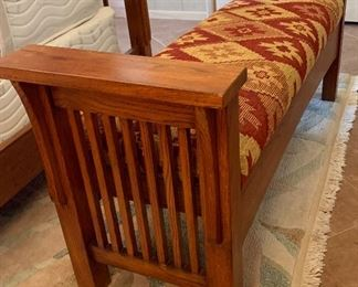 Thomasville Mission Oak Bench	24x54.5x17in	HxWxD