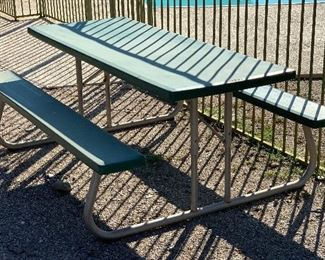Lifetime Folding Picnic Table	29x55x72in	HxWxD