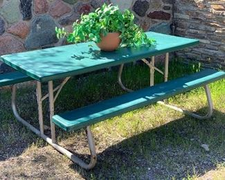 Lifetime Folding Picnic Table #3	29x55x72in
