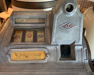 1930 trade stimulator/slot machine nickel pay out