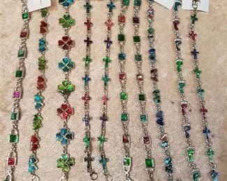 approximately 465 assorted bracelets
