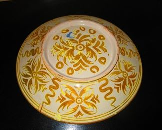 Verso of Large Faience Charger by Cantagalli, 19th c.