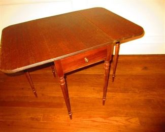 Diminutive Gate-leg Pembroke Table