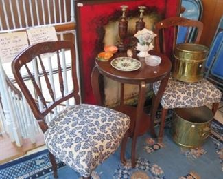 antique small table & chairs