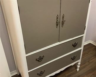 Shabby chic painted wooden cabinet with fitted drawers
