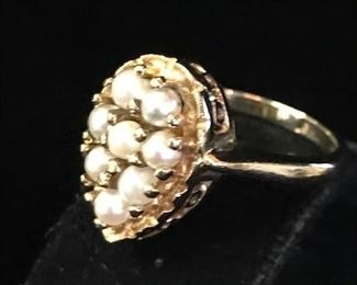 Pearl and 10K gold ring