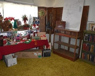 HOLIDAY/BOOK ROOM OVERVIEW