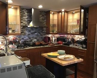 Lots of Quality Kitchenware
