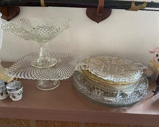 Cake stands and decorative glass round trays