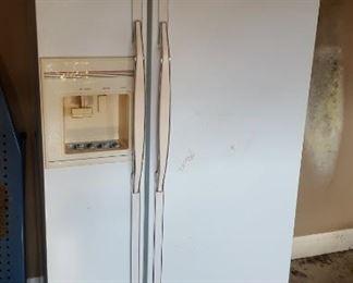 Magic Chef side by side fridge
