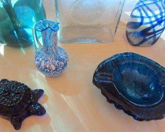 Blenko turtle and freeform ashtray