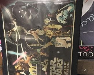 Vintage Star Wars carry case with figures