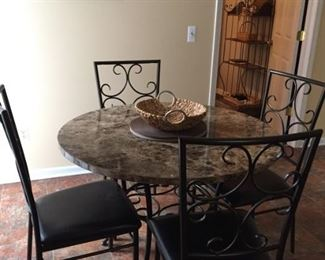 Beautiful Kitchen Table and Chairs