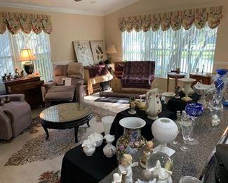 Family room & kitchen displays