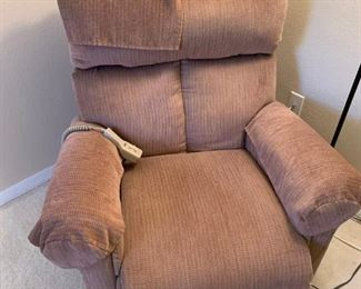 Pride lift/recliner chair