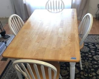 Blonde/White Table w/4 chairs