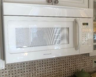 Frigidaire Microwave. Great Condition.  $100