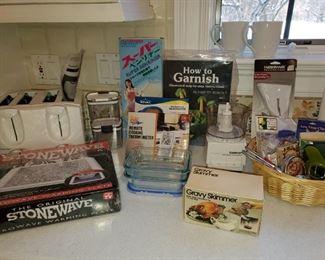 Kitchen ware, Kitchen gadgets, Kitchen serving pieces