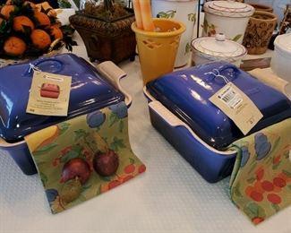 Le Crueset Casseroles, New - with box