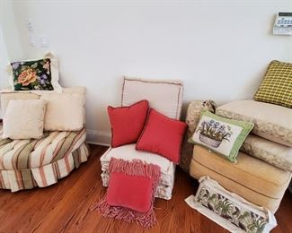 Designer decorator pillows, Henredon Hassock, Hancock and Morre ottoman