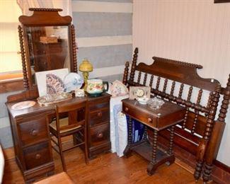 antique spindle bedroom set - vanity w/mirror, 1 drawer stand, full size bed & dresser