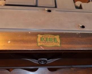 Atwater Kent Model 60 table radio