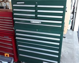 Tool chest, clean, very good condition