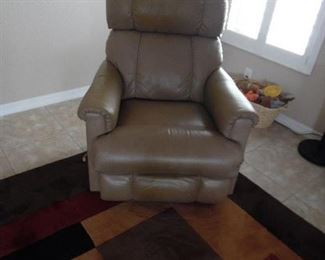 Matching Leather Recliners (2 )  Lazyboy
