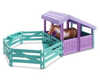 American Plastic Toys Horse Stable with Water Pail and Feeding Trough