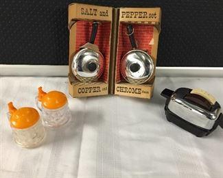 Vintage Toaster Salt & Pepper Shakers