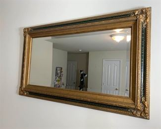 Assorted Pictures (2) and Mirrors (4) https://ctbids.com/#!/description/share/331116