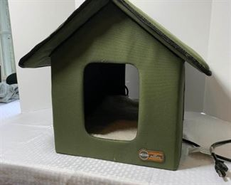 Heated, Electric Kitty House https://ctbids.com/#!/description/share/331121
