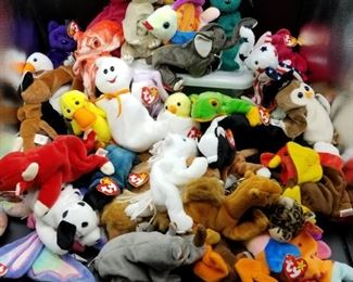40 TY Beanie Babies Plush Toys Variety https://ctbids.com/#!/description/share/331160
