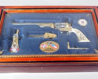 Franklin Mint Civil War Confederate Commemorative Non-Firing 1851 Colt Revolver Reproduction, Rare