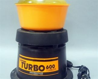 Lyman Turbo 600 Tumbler, Powers On